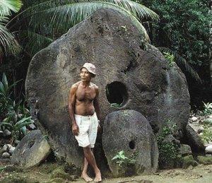 Monnaie de L'archipel de Yap Micronésie (pierres percées)