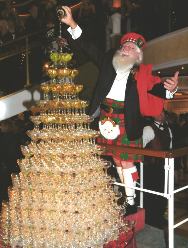 Celtic Claus Champagne Fountain