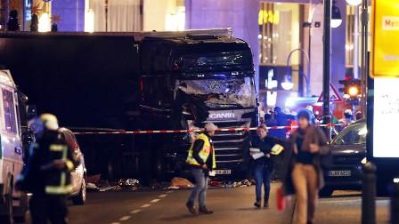 berlin-attentat-camion-foule-marche-de-noel